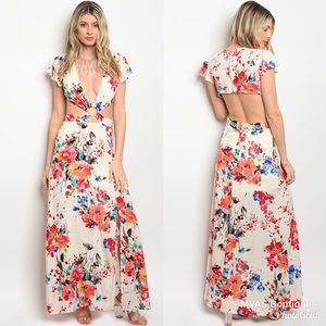 Dresses & Skirts - Beautiful Cutout Floral Maxi Dress